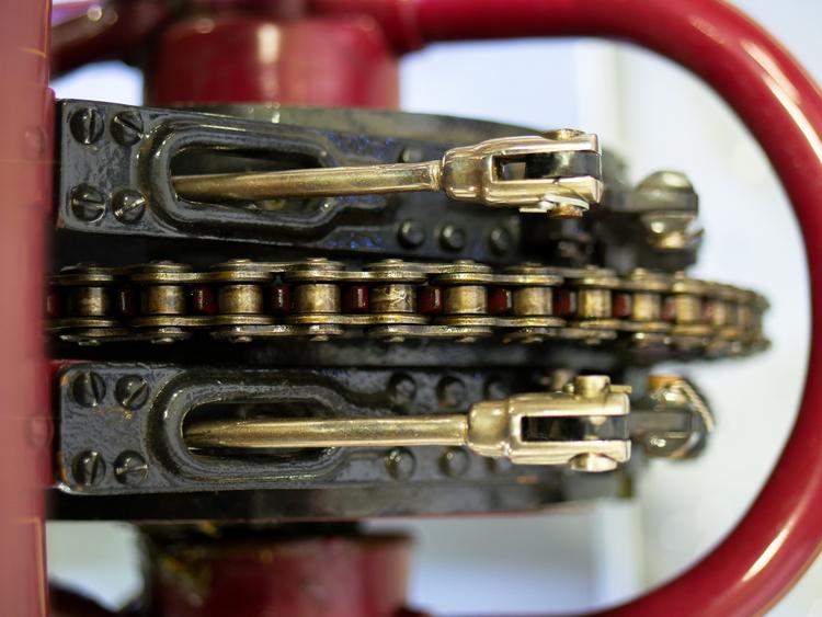 Locomobile chain kelly