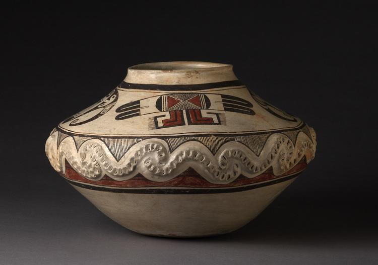 1905 nampeyo appliqued storage jar sideview 3492x2452px