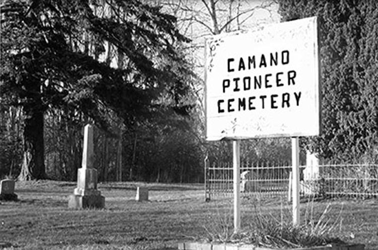 Camano pioneer cemetery bw 400