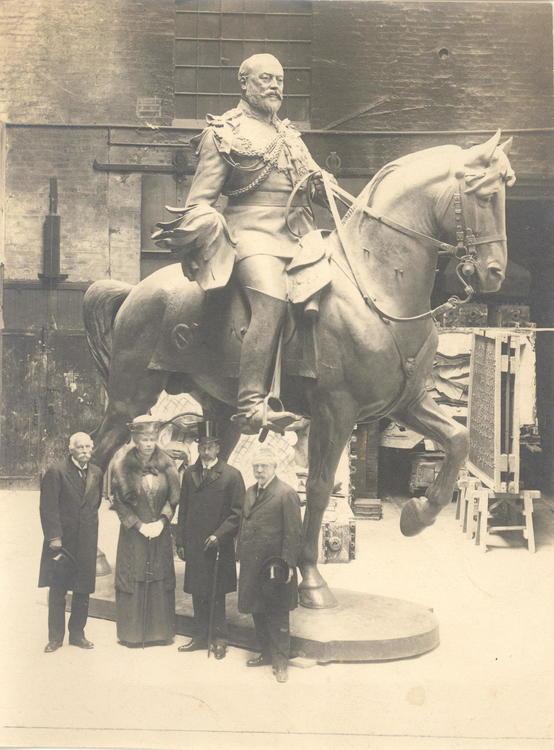 Edward vii statue original photo 1922