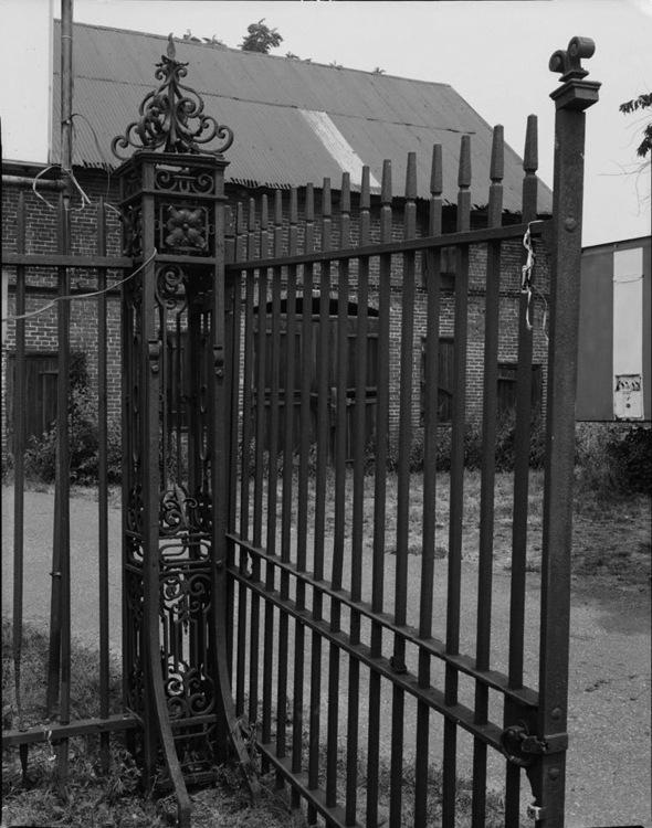 Fig2 gate