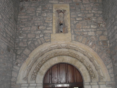 Porch and niche with mary the virgin