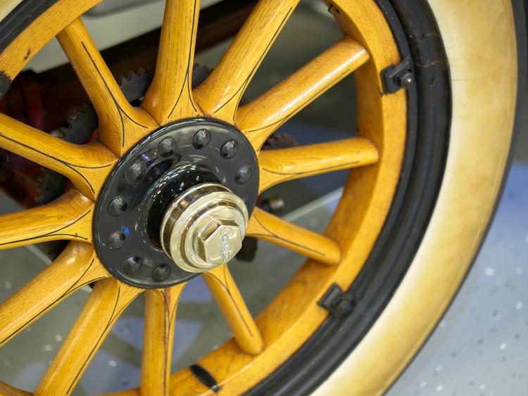 Cole wheel kelly
